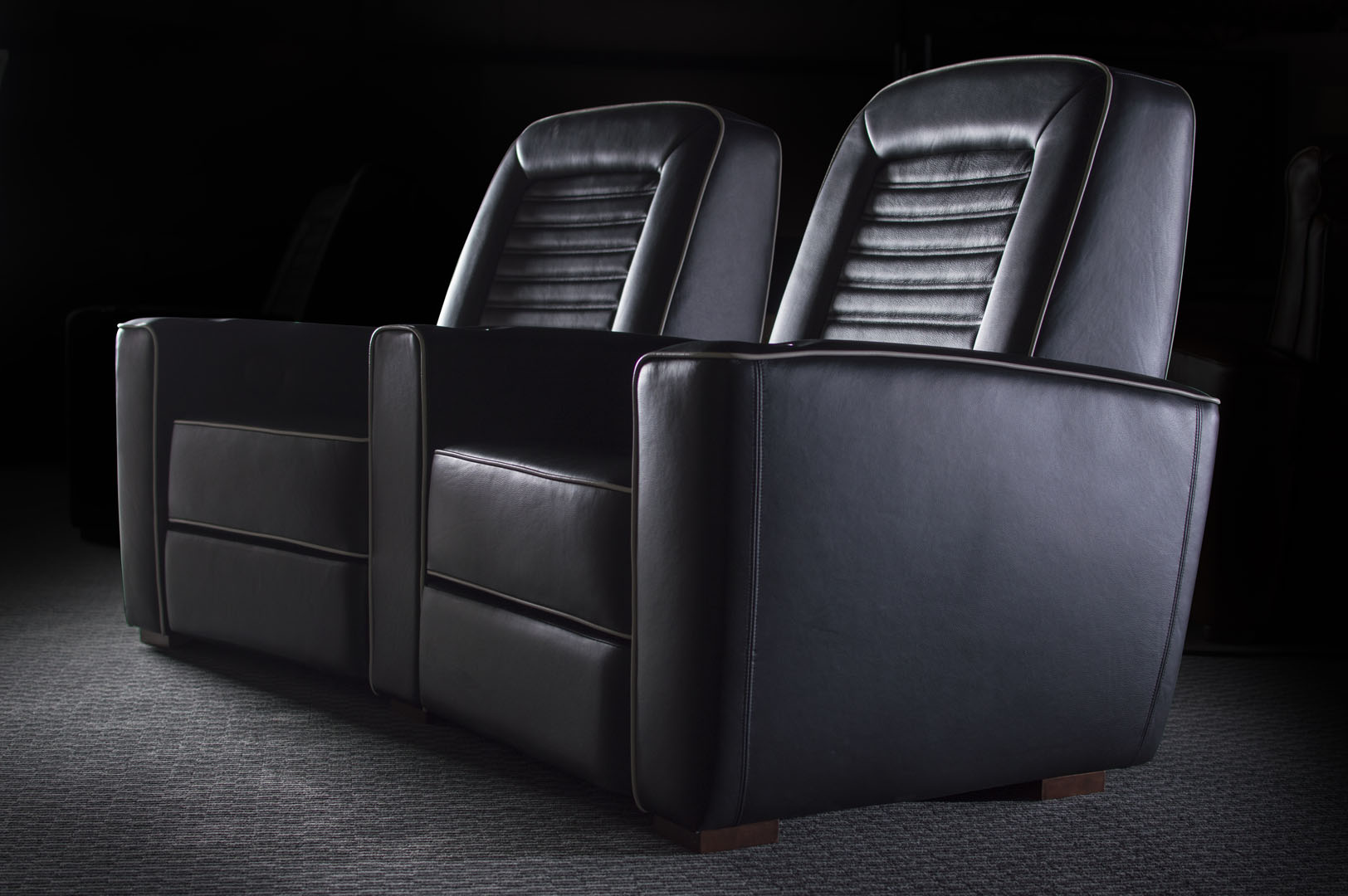 lilliana-Luxe-Leather-Onyx-twoseats1